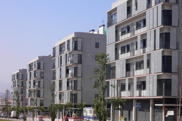80 habitatges al sector la parada de manresa premios de for Caixa valladolid oficinas
