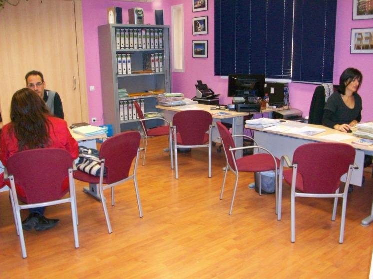 Oficina local d 39 habitatge de tarragona premios de for Oficina de habitatge