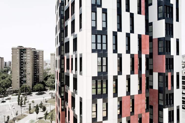 Torre de 77 viviendas vpo en la plaza europa de l 39 hospitalet de llobregat premios de vivienda - Pisos de proteccion oficial barcelona requisitos ...