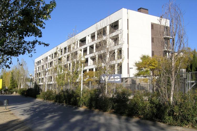 54 viviendas de protecci n oficial en sant andreu de la barca premios de arquitectura - Pis proteccio oficial barcelona ...